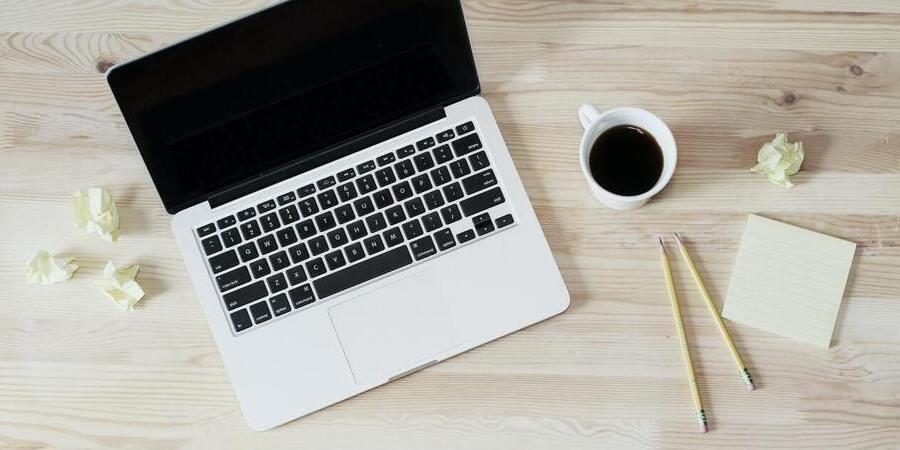 Zelf webteksten schrijven of uitbesteden